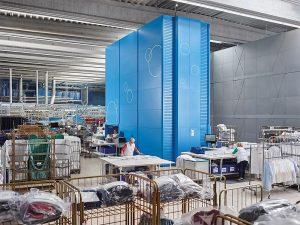 skladowanie-odziezy-w-pralniach