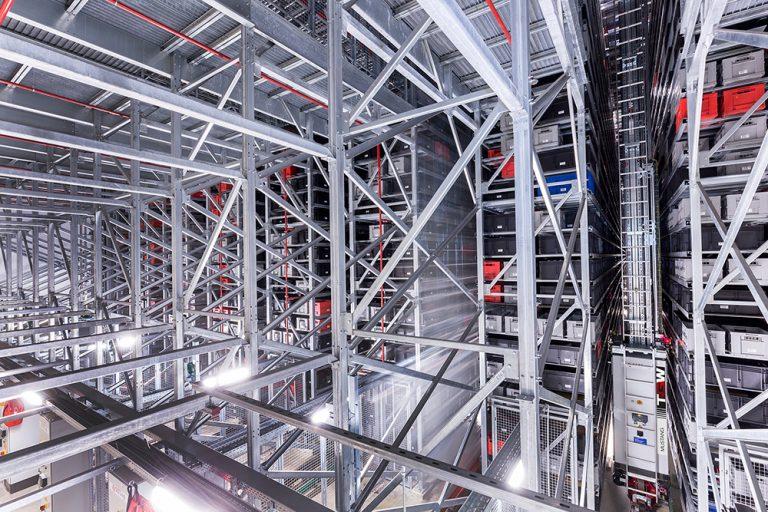 Logistikzentrum der Stahlgruber GmbH von TGW am 27.07.2017 in Sulzbach-Rosenberg, Bayern, Deutschland.